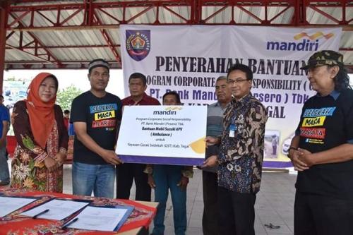 Gerak Sedekah Tegal Dapat Terima Bantuan Ambulance dari Bank Mandiri